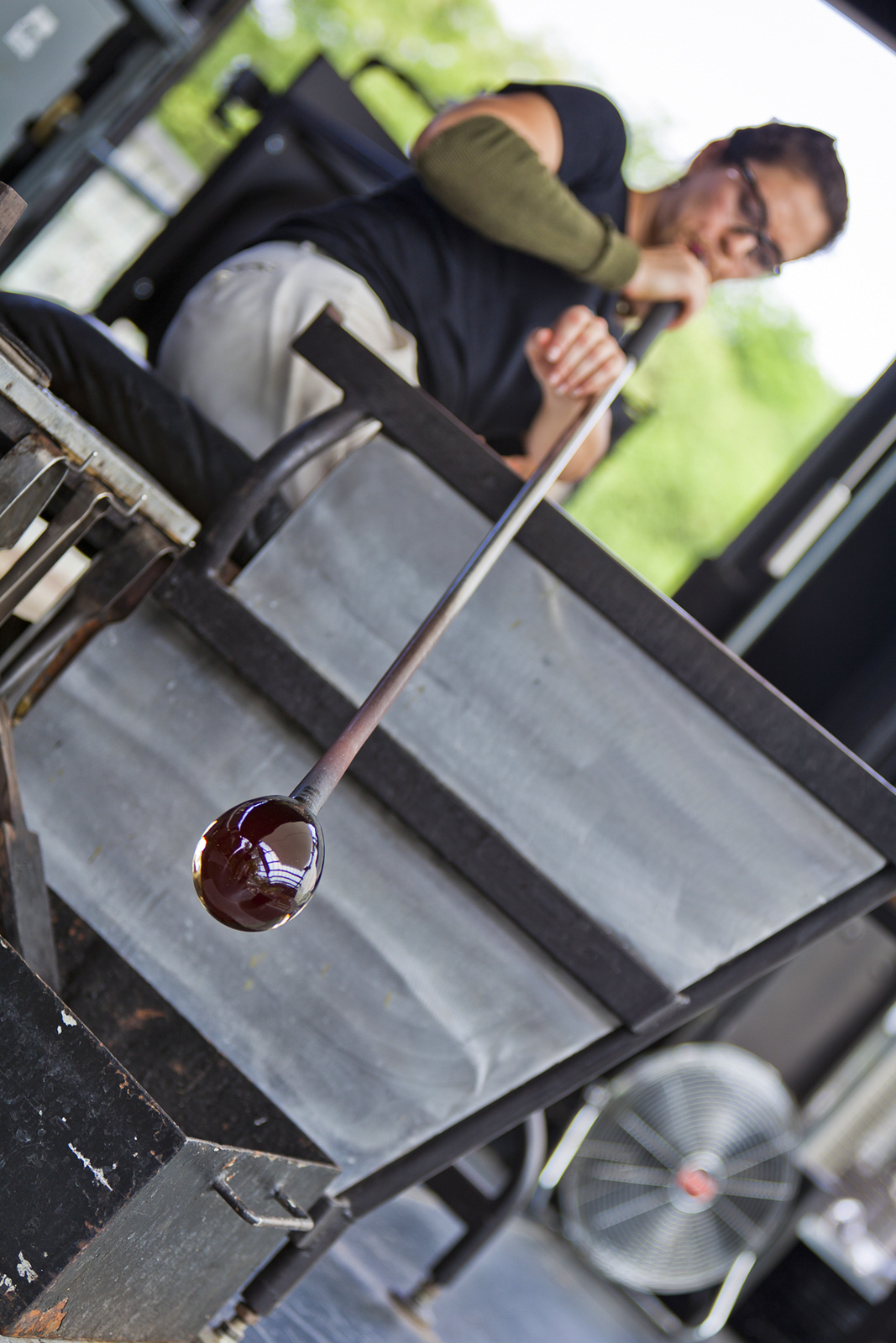 Glassmaker Annette Sheppard works with designer Jon Otis at GlassLab in Corning, July 2012