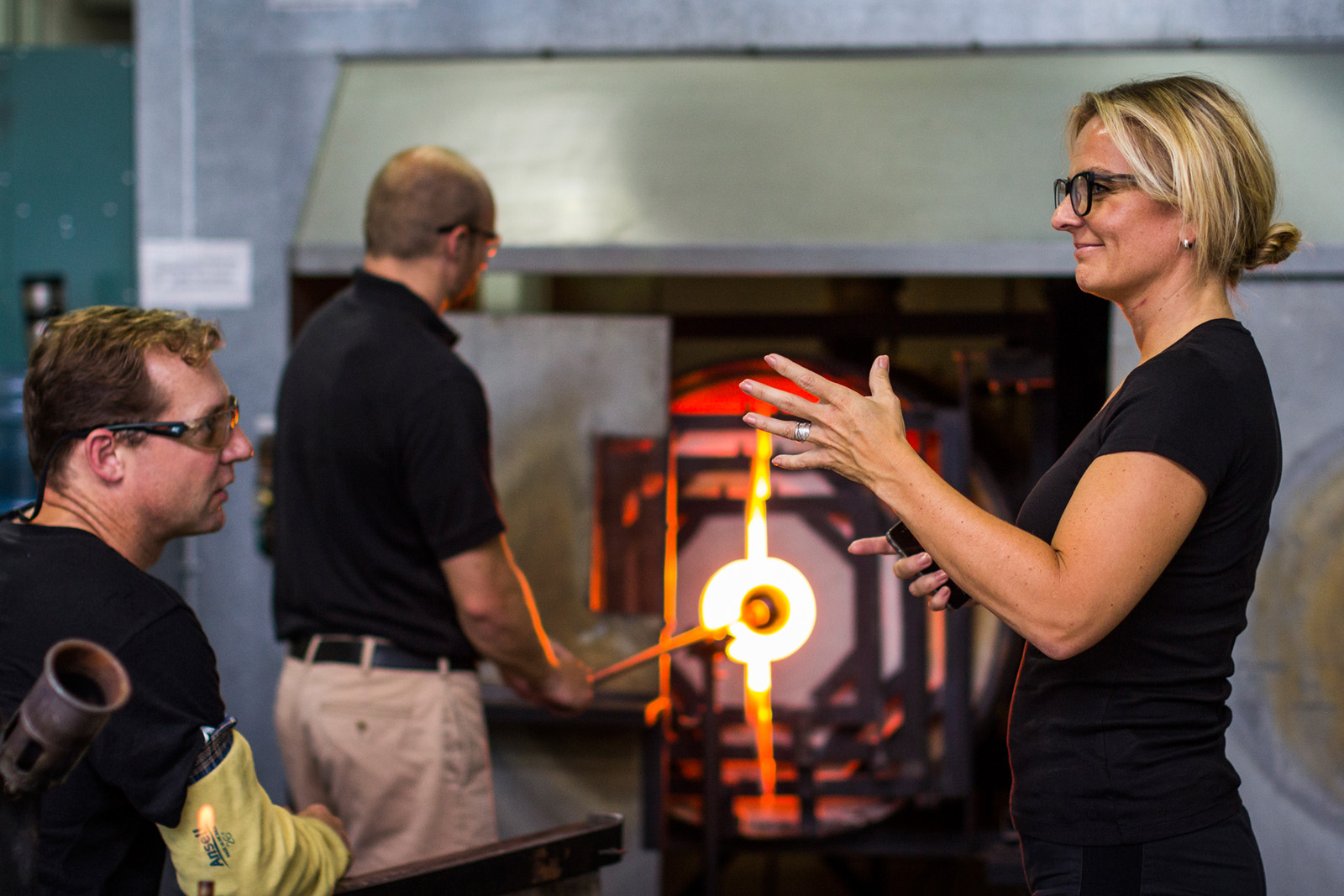 Designer Sigga Heimis in a GlassLab session in Corning, August 2013