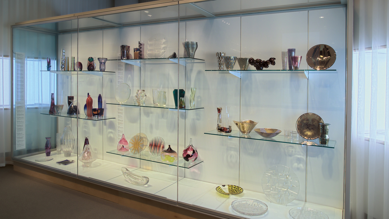 Czech Glass: Design in an Age of Adversity 1945-1980