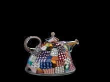 Crazy Quilt Teapot #38. United States, Berkeley, California, University of California, 1980. Fused and blown murine. H: 10.5 cm, W: 15.2 cm, D: 13.5 cm (2007.4.173, gift of the Ben W. Heineman Sr. Family).