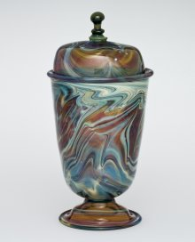Calcedonio covered beaker, blown. Europe, 1700-1799. (79.3.487, Bequest of Jerome Strauss)