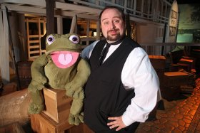 Little Gather: Madcap Puppets Twain's Twisted Tales