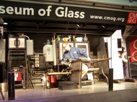 Hot Glass Roadshow at Bergstrom-Mahler Museum
