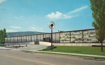 Corning Museum of Glass facade in 1951