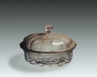 Fig. 23: Covered dish