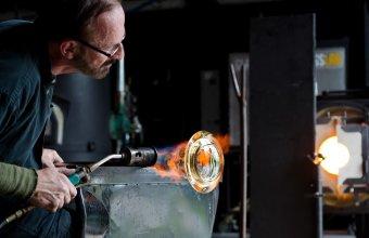 photo ©Lucia Peluffo : Lewis Olson working on prototype for Gaëtan Kohler