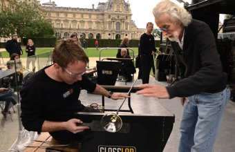 Designer Wendell Castle in a GlassLab design session in Paris, 2013. Photo credit Diedi von Schaewen.