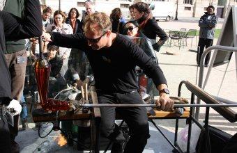 Designer Arik Levy in a GlassLab design session in Paris, 2013.
