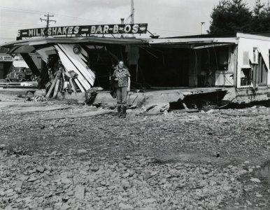 [King's Dairy was damaged by floodwaters during the flood of June 23, 1972] [picture].