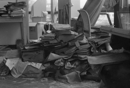 [Flood-damaged books collected ready to be frozen] [picture].