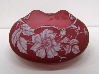 Red Cameo Bowl