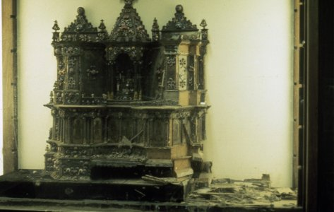[Flood-damaged altar to Saint Nicholas of Bari, view 2] [slide].