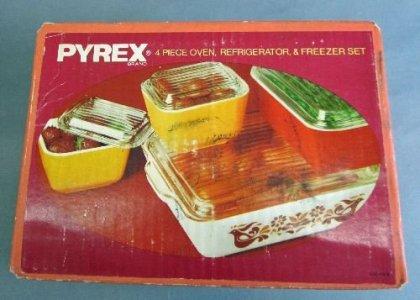 Pyrex Refrigerator & Freezer Set Original Box