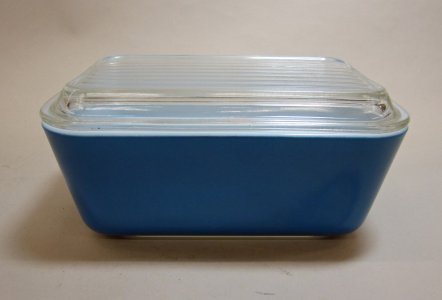 1-1/2 Pint Pyrex Refrigerator Dish with Lid