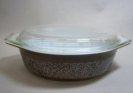 2.5 Liter Pyrex Dish with Lid