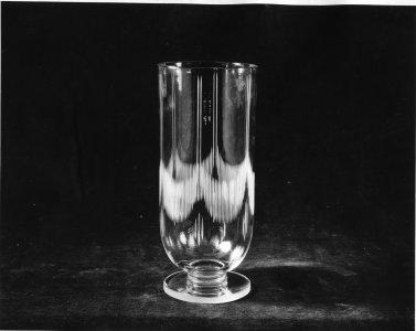 Shape no.: 7471 [engraved vase] [picture].