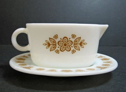 Pyrex Gravy Boat with Saucer