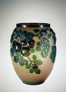 Vase with Apples