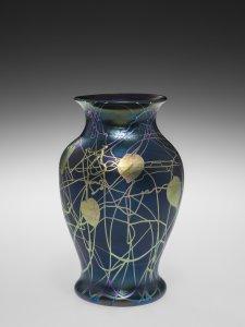 Black Aurene Vase