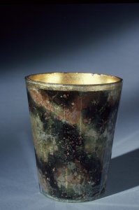 Double-walled beaker with marbled decoration