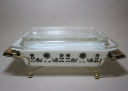 2 Quart Pyrex Covered Casserole with Metal Stand