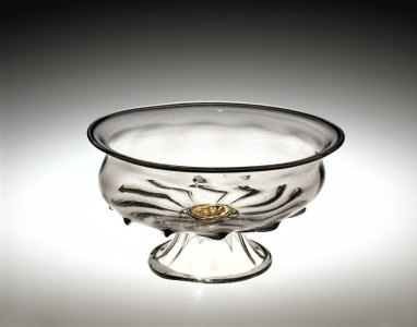 Footed Bowl with Reverse-Painted Medallion