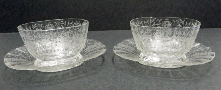 2 Fingerbowls with 2 Plates