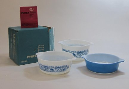 Pyrex Casseroles in Original Box