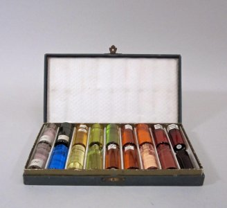 18 Color Slugs in Portfolio Box