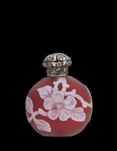 Cameo Scent Bottle with Flowers