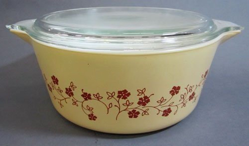 2.5 Liter Pyrex Dish with Lid and Cozy