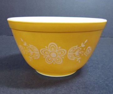 1-1/2 Pint Pyrex Mixing Bowl