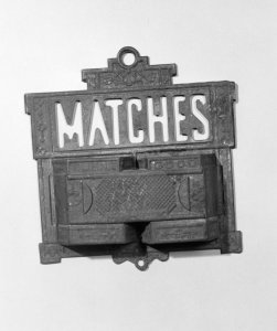 Tin match holder [picture]