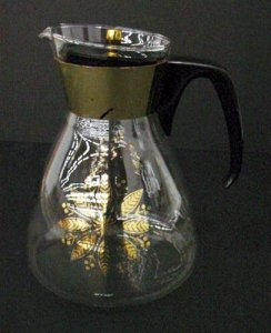 Pyrex Carafe and Cover