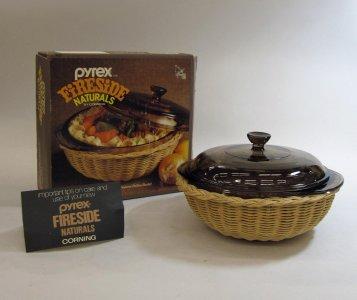 1.5 Liter Pyrex Fireside Naturals Casserole in Original Box
