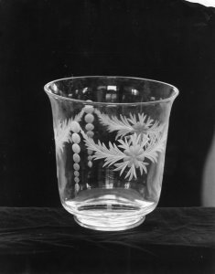 Shape no.: 6030 [colorless engraved vase] [picture].