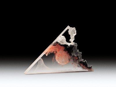 Pyramid Perfume R204