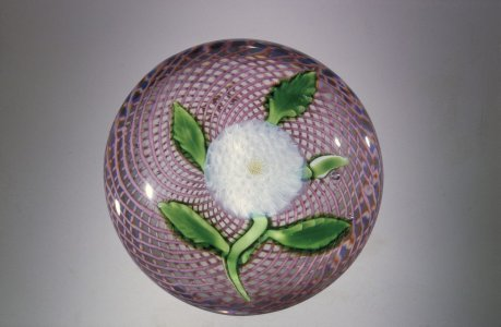 Paperweight with Pompon