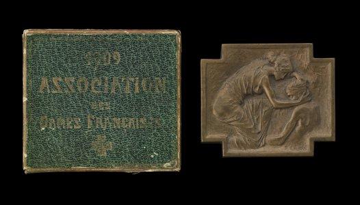 Medal and Box for Association des dames françaises (ADF), 1909