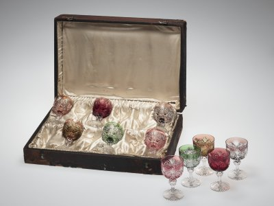"Hawkes Leather Presentation Case with 11 Wineglasses cut in ""Venetian"" Pattern"
