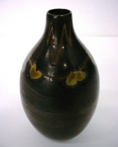 Favrile Vase with Leaves
