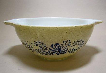 1-1/2 Quart Pyrex Nesting Bowl