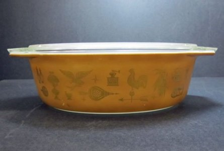 2-1/2 Quart Pyrex Oval Casserole with Lid