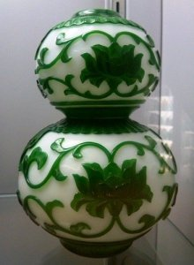 2-part Cameo Gourd Vase with Stand