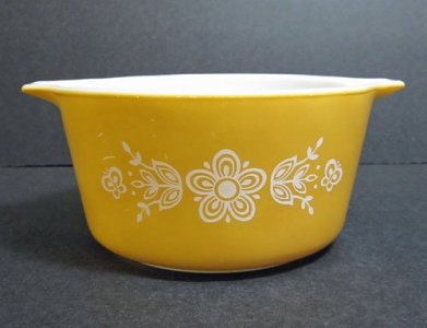 1 Quart Pyrex Casserole Dish