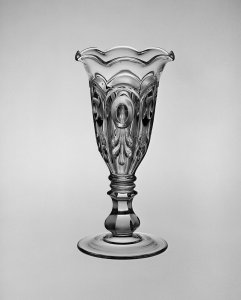 Bull's eye & Fleur de lis Celery Vase
