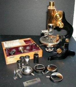 Leitz Petrographic Microscope
