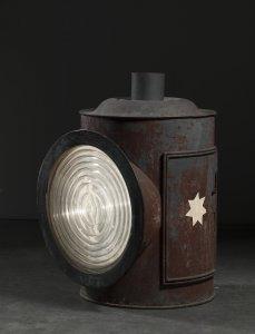 Locomotive Headlight with Dioptric Lens