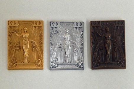 3 Medals Commemorating the Republica de Chile Primer Centenario