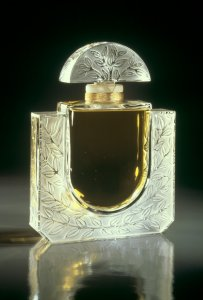 Le parfum Lalique [transparency]